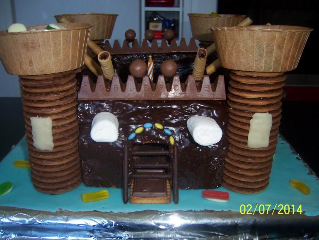 Gateau En Forme De Chateau Jpg Pictures to pin on Pinterest