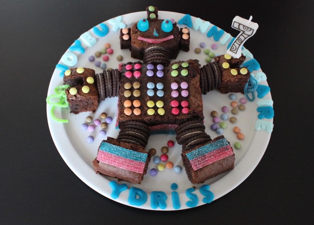 Gâteau d'anniversaire robot